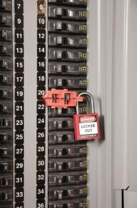 Snap-on circuit breaker lockout